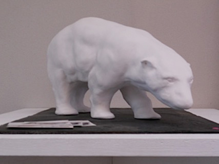 Sculpture contemporaine d'ours blanc