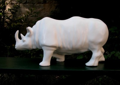 sculpture-rhinoceros-blanc