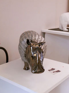 expo credit du nord clermont sculpture rhinoceros argent
